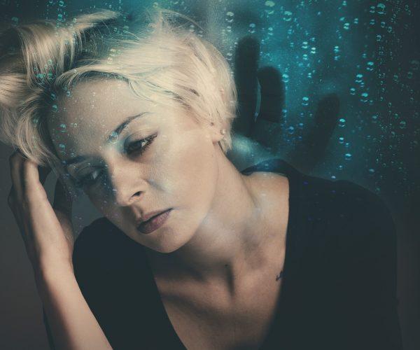 Stres și știri negative; ce se întâmplă cu frumusețea chipului tău?