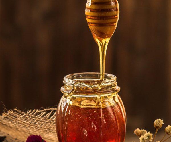 Glucidele și glicația colagenului; cum rămâne cu mierea ca activ cosmetic?